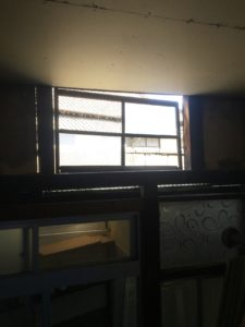 鍼灸院増設工事⑤天窓・棚つくり